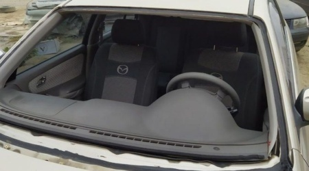 Установка лобового стекла на авто - Mazda 626 — ДО