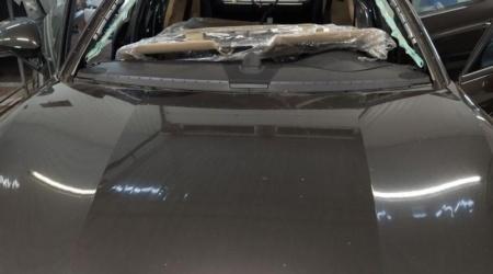 Сохранение и установка оригинального лобового стекла на Porsche panamera (1)