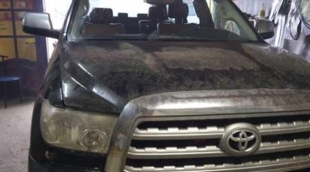 Замена ветрового стекла на авто Toyota Sequoia (1)